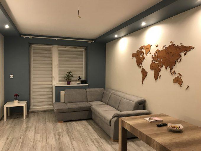 Sikorka - drewniana mapa świata - producent dekoracji drewnianych na ścianę drewniane mapy 3d na ścianę do biura i domu